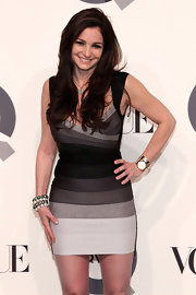 Beth Shak showed off that fab figure in an ombre Herve Leger bandage dress.