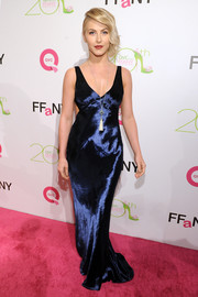Julianne Hough brought some Old Hollywood glamour to the FFANY Shoes on Sale event with this slinky blue Marc Jacobs evening dress.