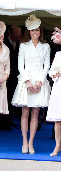 More Pics of Kate Middleton Evening Coat (7 of 47) - Kate Middleton Lookbook - StyleBistro