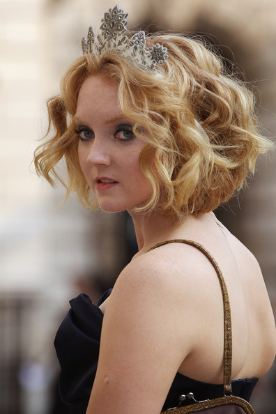 More Pics of Lily Cole Short Wavy Cut (1 of 3) - Lily Cole Lookbook - StyleBistro