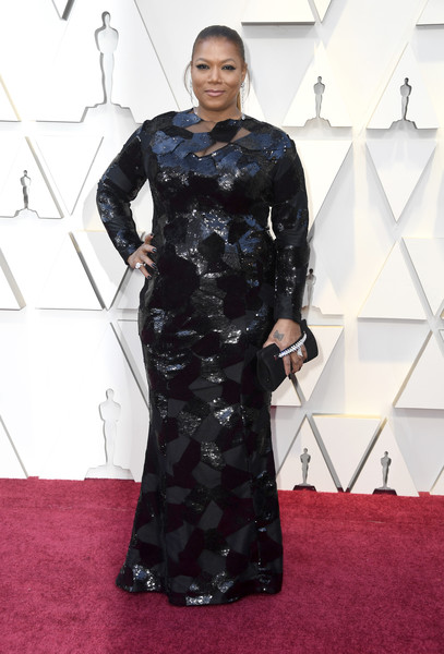 Queen Latifah Beaded Clutch [clothing,carpet,dress,red carpet,flooring,fashion,lady,fashion model,hairstyle,gown,arrivals,latifah,academy awards,hollywood,highland,california,annual academy awards]