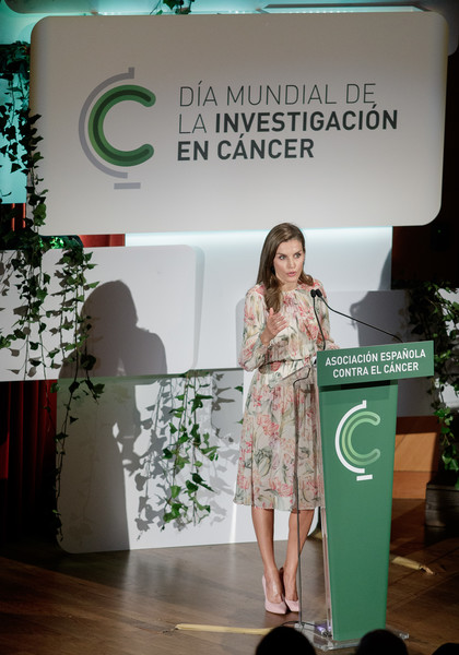 More Pics of Queen Letizia of Spain Leather Clutch (6 of 6) - Queen Letizia of Spain Lookbook - StyleBistro