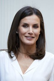 Queen Letizia of Spain styled her hair into a mid-length bob for the AECC meeting.