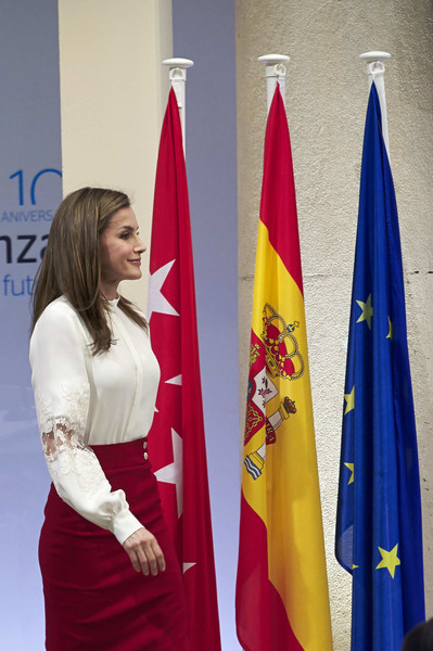 More Pics of Queen Letizia of Spain Pumps (1 of 17) - Heels Lookbook - StyleBistro [flag,textile,world,letizia o spain attends 10th anniversary,queen,microfinanzas bbva,spain,madrid,microfinanzas bbva foundation,bbva bank foundation]