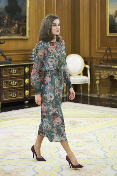 More Pics of Queen Letizia of Spain Flip (1 of 30) - Shoulder Length Hairstyles Lookbook - StyleBistro