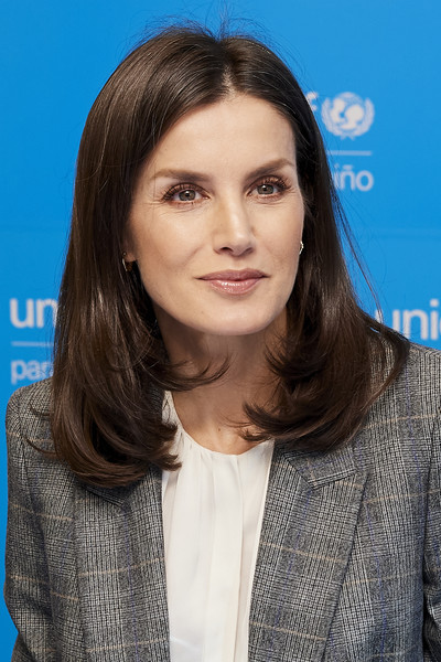 More Pics of Queen Letizia of Spain Wool Coat (1 of 28) - Queen Letizia of Spain Lookbook - StyleBistro [hair,face,hairstyle,eyebrow,long hair,layered hair,chin,brown hair,lip,premiere,queen,letizia,spain,madrid,unicef,letizia of spain attends,meeting,meeting,miranda kerr,celebrity,fashion,orthopaedic spine center,actor,beauty,hairstyle,supermodel]