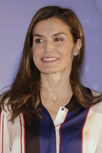 More Pics of Queen Letizia of Spain Print Blouse (19 of 21) - Queen Letizia of Spain Lookbook - StyleBistro