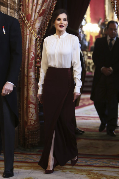 Queen Letizia of Spain Fitted Blouse [royals,letizia,clothing,suit,fashion,formal wear,lady,neck,dress,event,leg,waist,spanish,spain,zarzuela palace,madrid,diplomatic corps]