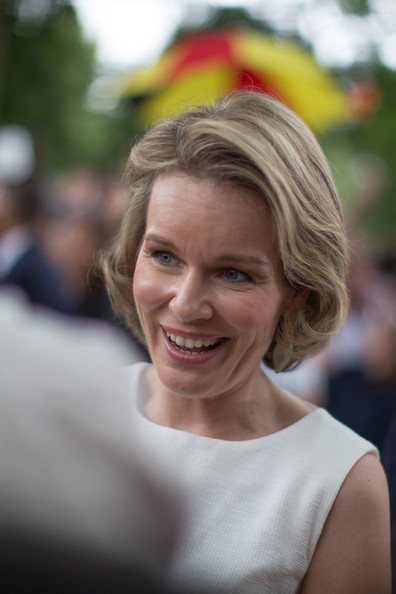 Queen Mathilde of Belgium Bob [hair,face,blond,facial expression,hairstyle,lady,skin,beauty,smile,chin,mathilde of belgium,place des palais,brussel,belgium,belgium royals national day]