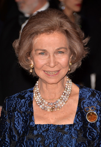 Queen Sofia Bob [hair,hairstyle,chin,jewellery,blond,fashion accessory,smile,sofia,queen,the waldorf,sofia spanish institute 2013 gold medal gala,queen sofia spanish institute 2013 gold medal gala,spain,new york city,astoria]