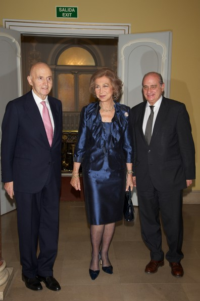 More Pics of Queen Sofia Bob (1 of 6) - Queen Sofia Lookbook - StyleBistro [constitution,suit,event,formal wear,official,tuxedo,white-collar worker,businessperson,queen,gonzalo anes,jorge fernandez diaz,spain,sofia,spanish,academy of history,sofia of spain attends piano concert to pay tribute,piano concert]