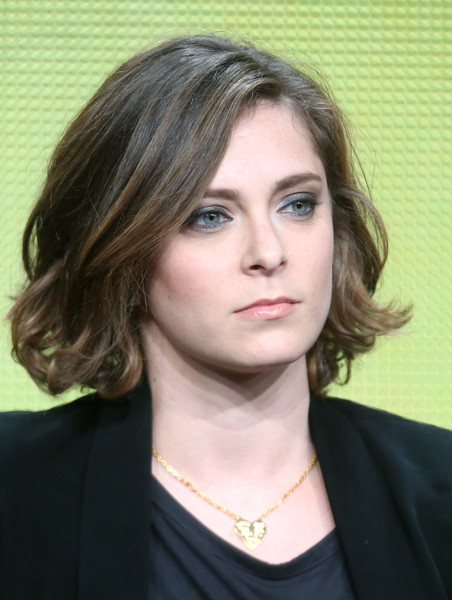 Rachel Bloom Short Wavy Cut [crazy ex-girlfriend,hair,face,hairstyle,eyebrow,chin,blond,layered hair,beauty,lip,brown hair,rachel bloom,portion,the beverly hilton hotel,beverly hills,california,executive producer,cw,summer tca,panel discussion]