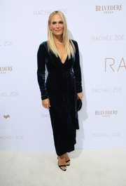 Molly Sims looked simply sophisticated in a navy velvet wrap dress by Rachel Zoe during the brand's Spring 2019 presentation.