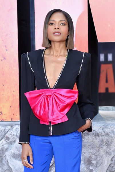 More Pics of Naomie Harris Short Straight Cut (1 of 20) - Naomie Harris Lookbook - StyleBistro