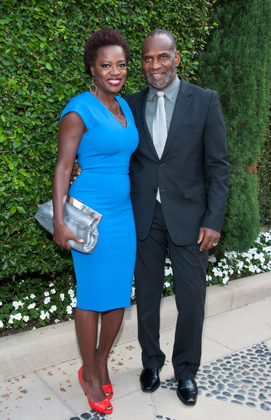 Viola Davis teamed her blue dress with red platform peep-toes for a totally popping look.