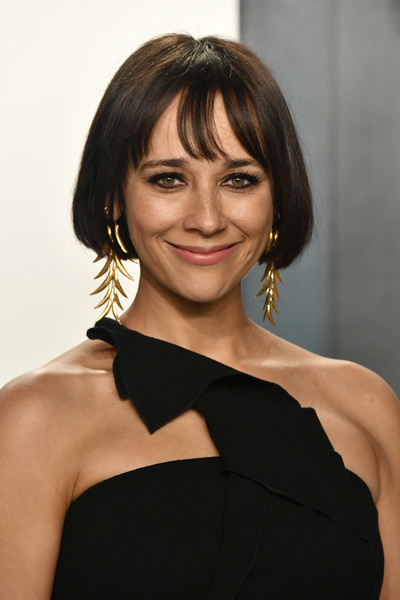 Rashida Jones Bob [hair,face,hairstyle,shoulder,beauty,eyebrow,chin,bob cut,lip,bangs,radhika jones - arrivals,rashida jones,radhika jones,beverly hills,california,wallis annenberg center for the performing arts,oscar party,vanity fair,rashida jones,vanity fair,oscar party,celebrity,celeste and jesse forever,academy awards,wallis annenberg center for the performing arts,fashion,party,bangs]