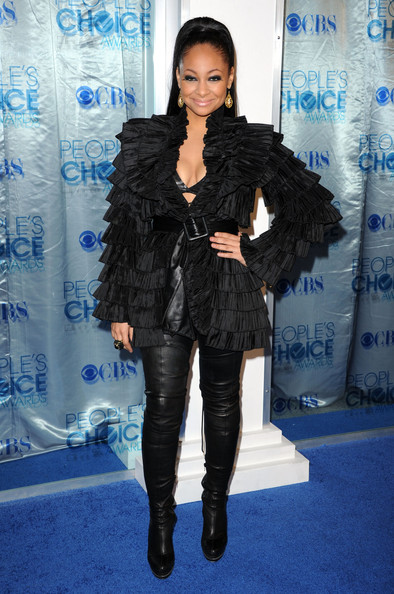 Raven-Symone Over the Knee Boots [blue,fashion model,flooring,fashion,electric blue,fur clothing,shoulder,outerwear,carpet,long hair,arrivals,raven-symone,peoples choice awards,california,los angeles,nokia theatre l.a. live]
