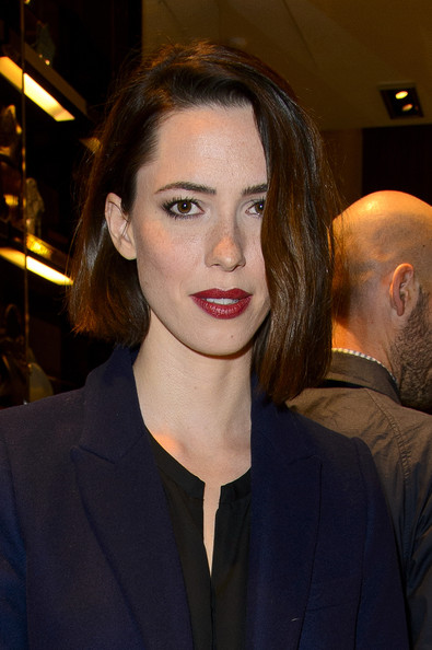 Rebecca Hall Graduated Bob [hair,face,lip,eyebrow,hairstyle,beauty,head,chin,fashion,forehead,the bamboo,gucci celebrates the bamboo,london,england,old bond street,rebecca hall]