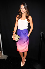 Jamie's pretty sunset-hued pencil skirt gave her a lovely dash of color.