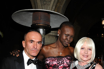 Alek Wek Paolo Diacci Reca Group At The 2011 amfAR Inspiration Gala