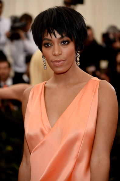 More Pics Of Solange Knowles Layered Razor Cut 15 Of 17 Short Hairstyles Lookbook Stylebistro