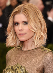Kate Mara rocked a mussed-up wavy 'do at the Met Gala.