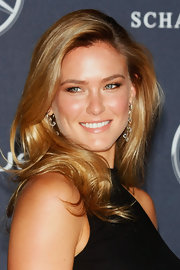Bar Refaeli wore a pearly pinky-peach lipstick while attending the Laureus World Sports Awards.