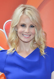 Monica Potter's platinum locks looked instantly red carpet ready with this wavy 'do.