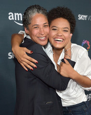 Kiersey Clemons sported a classic red mani at the premiere of 'Transparent' season 2.