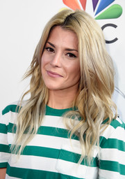 Grace Helbig looked like a doll with her long blonde waves during the Red Nose Day Special on NBC.