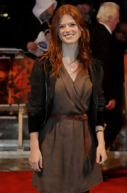 Rose Leslie's leather belt finished off her dress with a rustic feel.