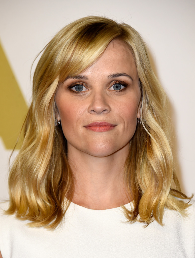 Reese Witherspoon Medium Wavy Cut With Bangs Reese