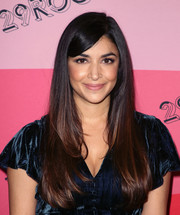Hannah Simone looked so pretty with her bouncy layered cut and side-swept bangs at the 29Rooms Los Angeles 2018.