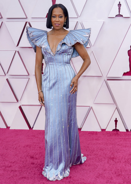 Regina King Beaded Dress [one-piece garment,dress,purple,fashion,sleeve,waist,flooring,day dress,fashion design,formal wear,cocktail dress,gown,dress,regina king,fashion,wear,haute couture,california,los angeles,annual academy awards,formal wear,cocktail dress,fashion,haute couture,gown,stx it20 risk.5rv nr eo,clothing,gown / m,long hair / m,fashion show]