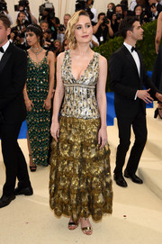 Brie Larson brought some flapper glamour to the 2017 Met Gala with this fringed, metallic look by Chanel.