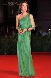 Actress Michelle Yeoh, in occasion of the premiere of 'Jianyu' by John Woo, wore a resort 2011 dress.