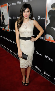 Jenna was pretty in lace at the 'Haywire' premiere. She topped off her look with black peep-toe pumps.