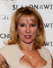 Ramona Singer paired her plunging neckline with a sparkling pendant necklace.