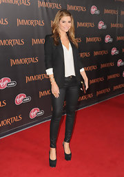 Maria Menounos was rocker chic at the 'Immortals' premiere in LA. She accessorized her outfit with black platform slingbacks.