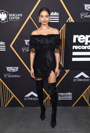 Shanina Shaik looked captivating in a slinky off-the-shoulder LBD by Redemption at the Republic Records Grammy celebration.