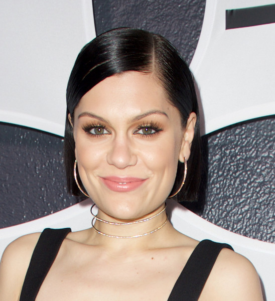 Jessie J sported a slick short hairstyle at the Republic Records Grammy after-party.