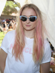 Sophie Turner looked totally festival-ready with her pink-streaked tresses at the Hyde Away party during Coachella.