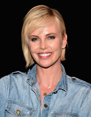 Charlize Theron kept it breezy with this short cut with bangs at the '2 Days in the Valley' reunion.