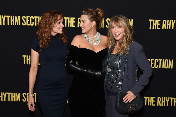 More Pics of Blake Lively Leather Gloves (5 of 45) - Gloves Lookbook - StyleBistro [the rhythm section,premiere,little black dress,event,fashion,dress,carpet,style,elaine lively,robyn lively,blake lively,screening,l-r,new york,brooklyn academy of music,screening,blake lively,robyn lively,the rhythm section,elaine lively,new york,the age of adaline,premiere,red carpet,photograph,celebrity]