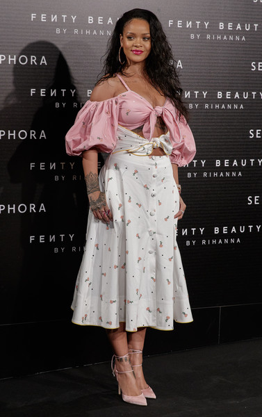 Rihanna coordinated her dress with a pair of pink ankle-tie pumps by Olgana Paris.