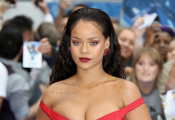 Rihanna Long Wavy Cut [valerian and the city of a thousand planets,fashion model,beauty,girl,fashion,black hair,long hair,brown hair,model,rihanna,european premiere,european,cineworld leicester square,england,london,red carpet arrivals,premiere]