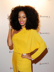 Solange Knowles wore her gorgeous curls full of major body at the Rimmel party. Her hair had plenty of shine and a whole lot of bounce.