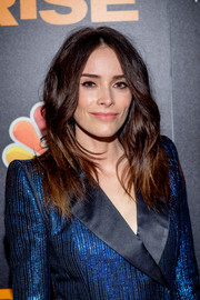 Abigail Spencer looked stylish with her wavy layers at the New York premiere of 'Rise.'