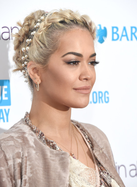Rita Ora Nude Lipstick [hair,hairstyle,eyebrow,beauty,hair accessory,chin,jewellery,forehead,blond,long hair,red carpet arrivals,rita ora,youth,difference,communities,sse arena,england,london,we day]