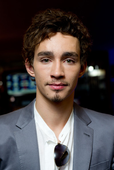 Robert Sheehan Hair